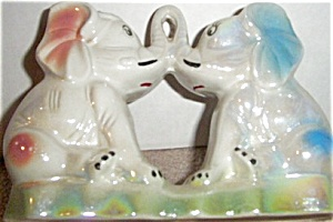 ELEPHANTS Iridescent Carnival Statue Figurine (Image1)