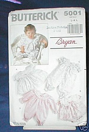 VINTAGE~BABYS LAYETTE~NEWBORN SIZE (Image1)