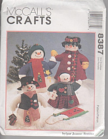 McCall's Crafts Pattern 8387 Snowmen Family (Image1)