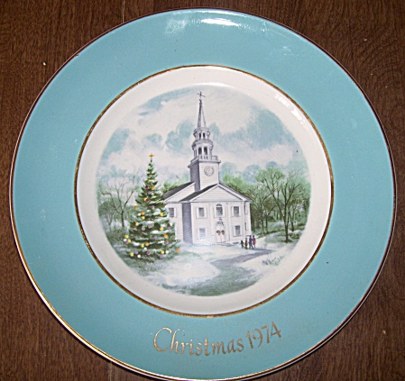 CHRISTMAS PLATE~ CAROLLERS IN THE SNOW~ 5th E (Image1)