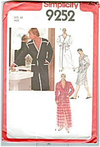 Vintage Mens Robe 1979 Pattern UNCUT (Image1)