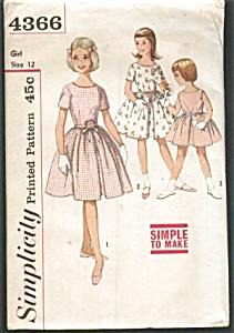 1960s VINTAGE Girls pattern UNCUT (Image1)