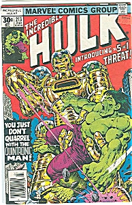 The incredible hulk - # 213  Marvel comics   July 1977 (Image1)