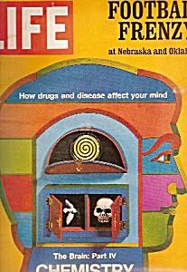 Life magazine -  November 26, 1971 (Image1)