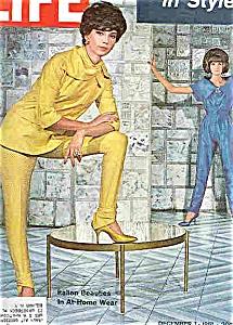 Life Magazine - December 1, 1961 (Image1)
