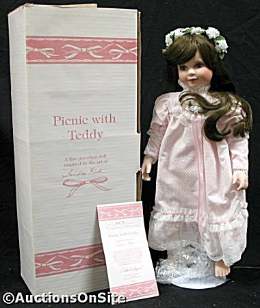 SANDRA KUCK~PICNIC WITH TEDDY~DOLL~COA~MINT (Image1)