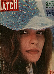 Paris Match magazine - 7 Decembre 1968 (Image1)