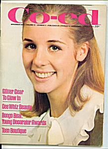 Co-ed magazine -  November 1967 GINNY BECK - TWIGGY (Image1)