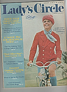 Lady's  Circle - August  1972 = DORIS DAY (Image1)