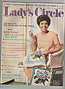 Lady's Circle  - August 1975 - POLLY BERGEN (Image1)