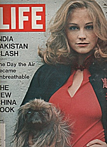 Life magazine-  December 10, 1971 (Image1)