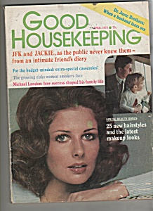 Good Housekeeping Magazine - April 1975 (Image1)