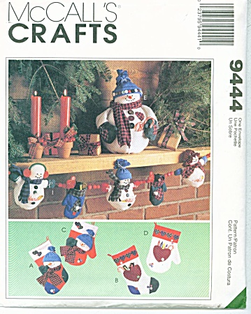 McCALL'S~FROSRTY FRIENDS~HOLIDAY PATTERN~9444 (Image1)