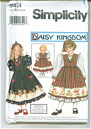 DAISY KINGDOM GIRL AND DOLL PATTERN  9434 (Image1)