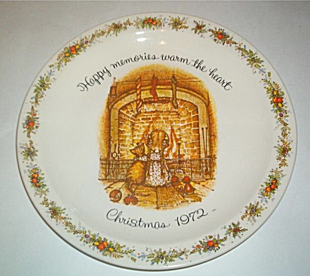 Vintage - 1972 - Holly Hobbie - Christmas Plate - Oop