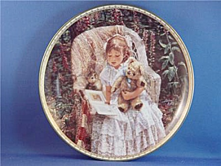 Teddy Bear Tales - Girl & Kitten Plate - Kuck
