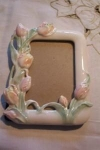 Click here to enlarge image and see more about item ECH011003E: Porcelain Tulip Majolica Style Picture Frame