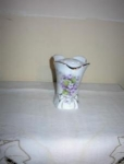 Click here to enlarge image and see more about item Echo25-1: Porcelain Hatpin Holder