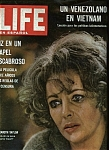 Click here to enlarge image and see more about item J8753: Life En Espanol magazine - July 18, 1966