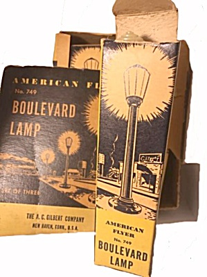 3 American Flyer 749 Boulevard Street Lamps In Box
