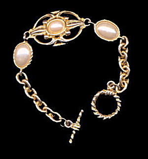 Goldtone with Faux Pearl Oval Link Bracelet (Image1)