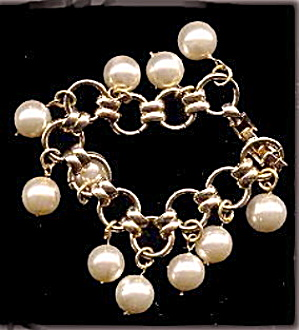 Lovely Faux Pearl Ball Dangle Bracelet (Image1)