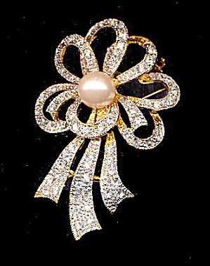 Vintage Ribbon Shaped White/Clear Rhinestone Pin (Image1)