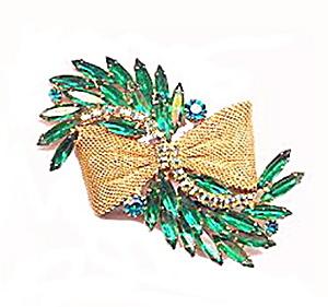"Vintage 3 1/4"" Green Rhinestone Ribbon Brooch (Image1)"