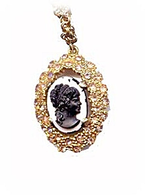 Lovely Vintage Glass Cameo with Stones Pendant Necklace (Image1)