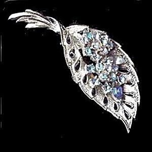 """Vintage 3"""" Coro Blue Stones Leaf Brooch (Image1)"""