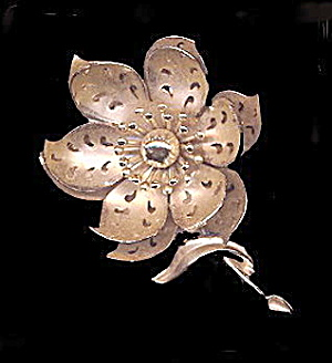 "Lovely Coro 3"" Goldtone Flower Brooch (Image1)"