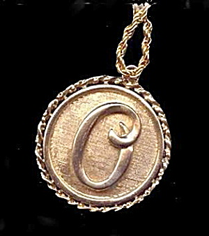 Vintage Goldtone Coro Initial 'G' Pendant Necklace (Image1)