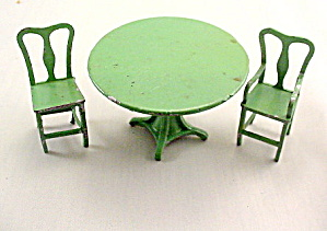 1920s Tootsietoy Dollhouse Green Table & Chairs (Image1)