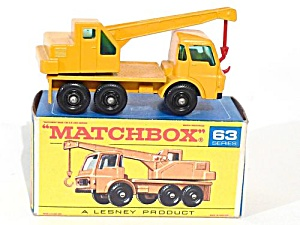 1960s Matchbox No 63 Dodge Crane Truck in Box (Image1)