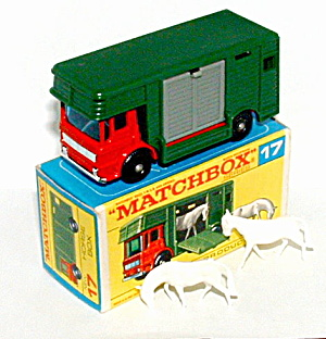 1960s Matchbox No 17 Horse Box in Box (Image1)