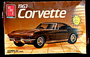 AMT 1986 1963 Corvette Model Kit (Image1)