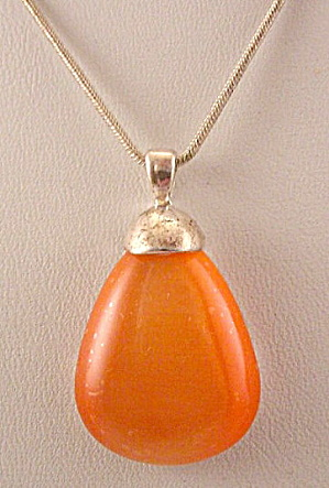 Vintage Peach Glass Stone Drop Pendant Necklace (Image1)