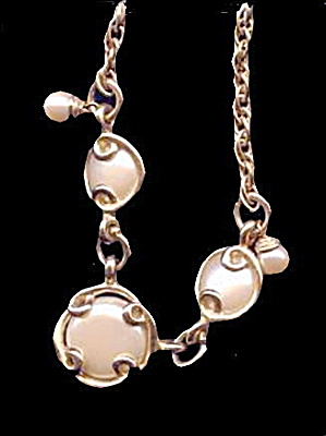 Lovely Vintage Circles Goldtone & Cream Necklace (Image1)