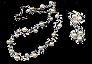 1950s Park Lane Necklace & Earrings Set (Image1)