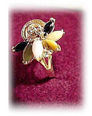Lovely Glass Flower with Rhinestones Vintage Ring (Image1)