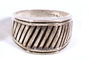Early .925 Sterling Silver Avon Rj Design Ring