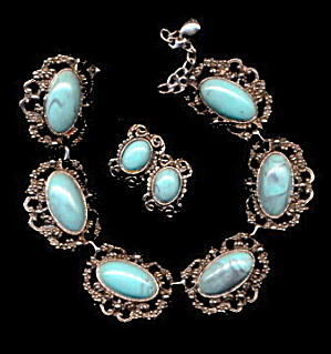Vintage Silvertone & Blue Lucite Necklace & Earrings (Image1)