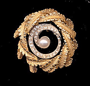 Vintage ART Signed Wreath w Rhinestones Brooch (Image1)