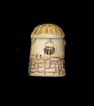 1982 SylvaC 'Wishing Well' Thimble in Box (Image1)