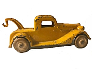 1930s Tootsietoy Wrecker With Wooden Wheels
