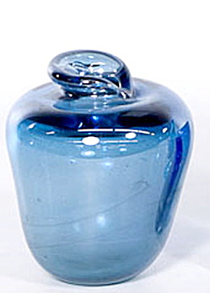 "Lovely Vintage 5"" Blue Art Glass Vase (Image1)"