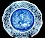 Click here to enlarge image and see more about item 000COLP2: 1st Ed Weihnachten Collector Plate Marianne Stuwe