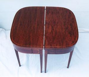 Mahogany Dining Table (Image1)