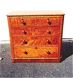 English Birch Chest of Drawer (Image1)