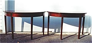 American Mahogany Dining Room table. (Image1)
